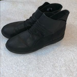 Clarks Cloudsteppers Boots- Size 10